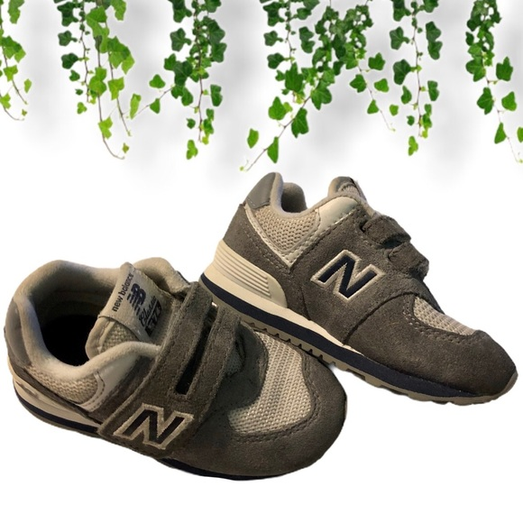 Anciano Caso Superficie lunar  New Balance Shoes | New Balance Toddler Velcro Hook And Loop 574 Core |  Poshmark